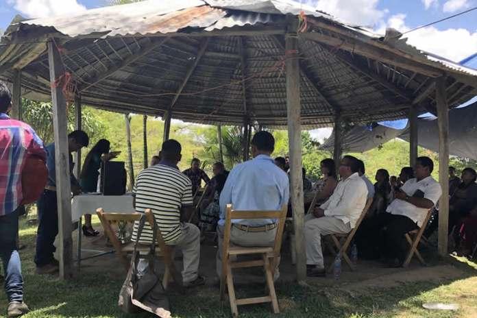 Cristãos são presos por comemorar aniversário de igreja no México