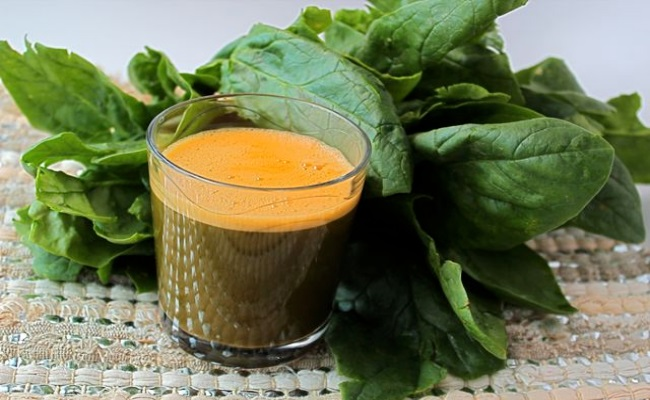 Spinach And Carrot Juices