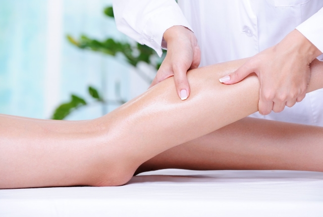 Massage With Helichrysum Oil