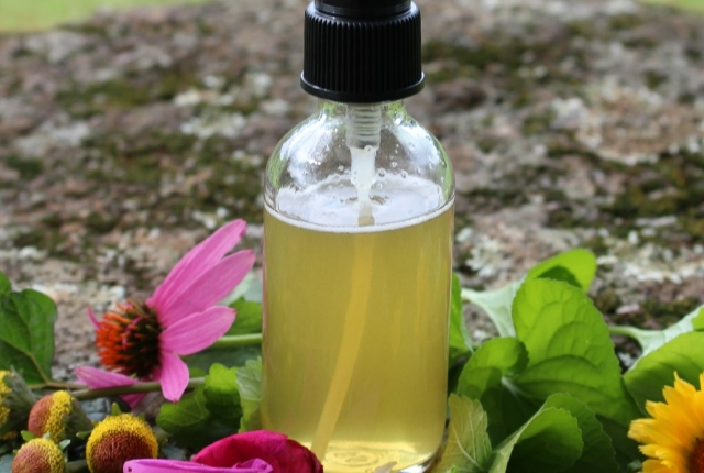 Mixed Herb Throat Spray