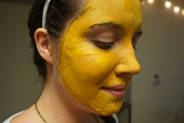 Use Turmeric For Your Blackhead Woes