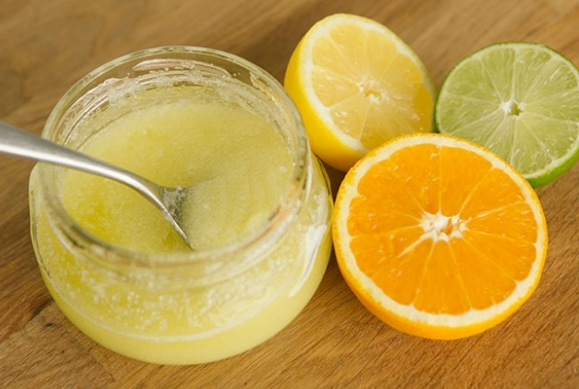 Orange Peel Powder, Salt And Lemon Juice Scrub