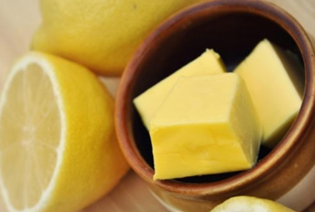 Butter And Lemon Juice Mask