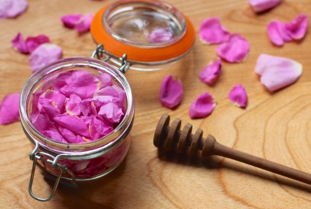 Honey with Rose Water