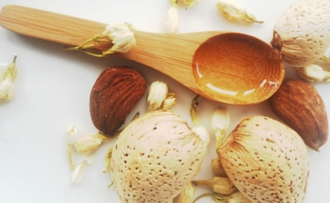Sesame Seeds And Almond Oil