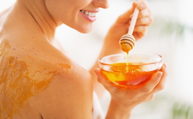 5 Home Remedies To Treat Your Skin With Honey