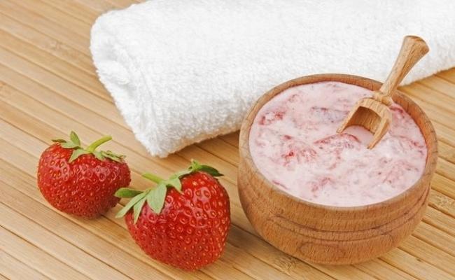 Strawberry And Honey Scrub