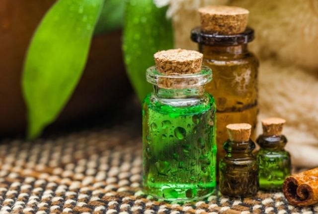 Tea Tree Oil And Aloe Vera