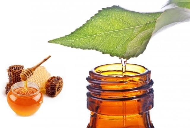 Tea Tree Oil And Honey Pack