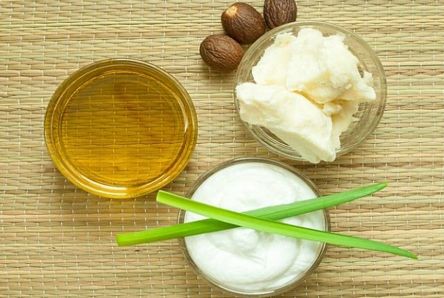 Aloevera And Coconut Oil
