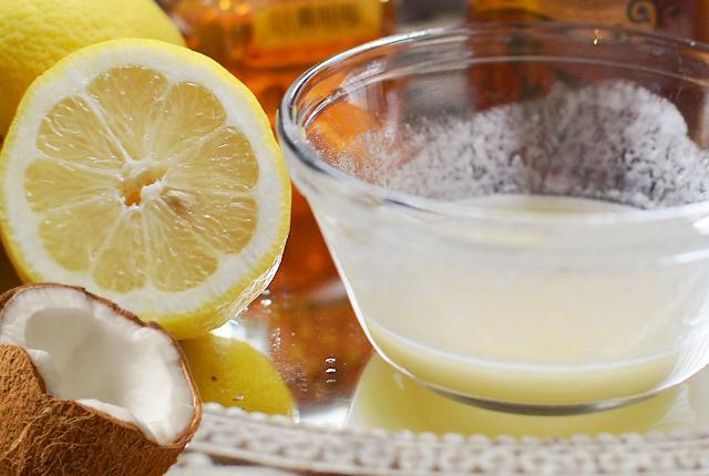 Coconut Milk With Honey And Lemon Juice