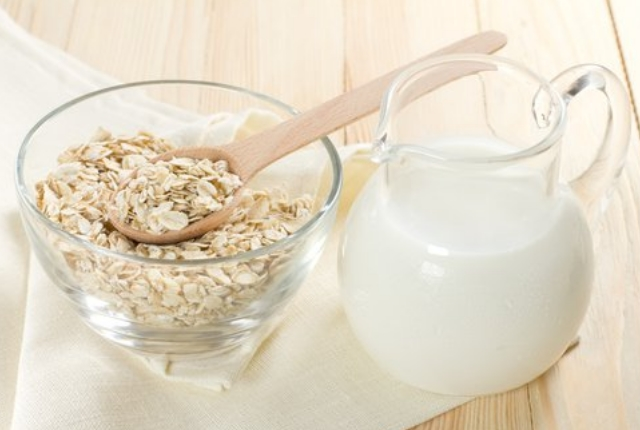 Buttermilk And Oatmeal Exfoliating Mask