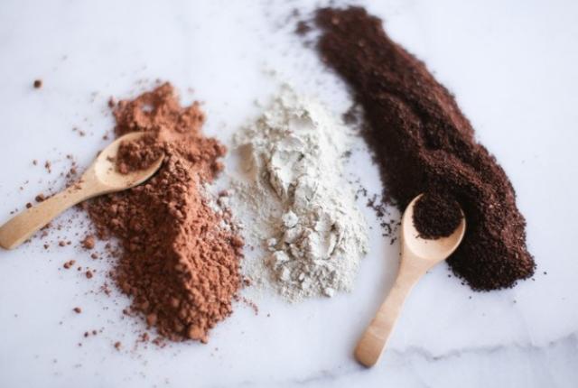 Chocolate And Gram Flour Mask