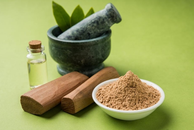 Coconut Water And Sandalwood Powder