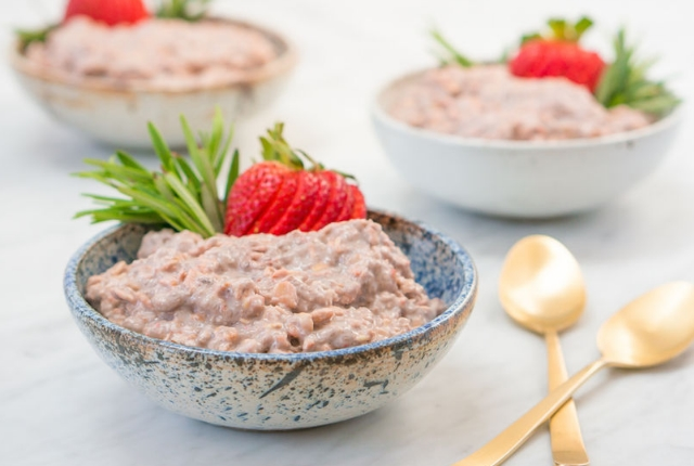 Strawberries With Lime Juice And Oatmeal