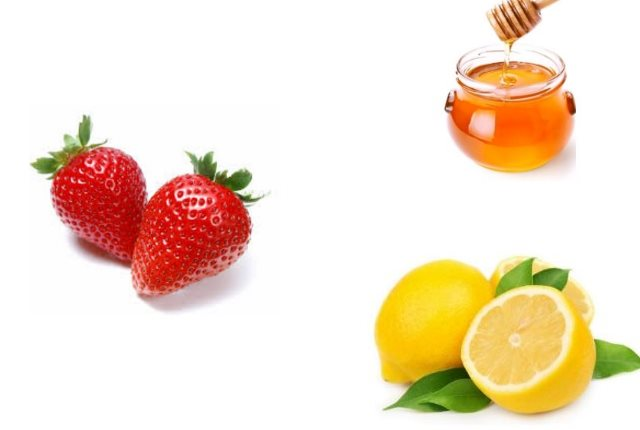 Strawberry Lemon Juice Honey Mask For Oily Skin