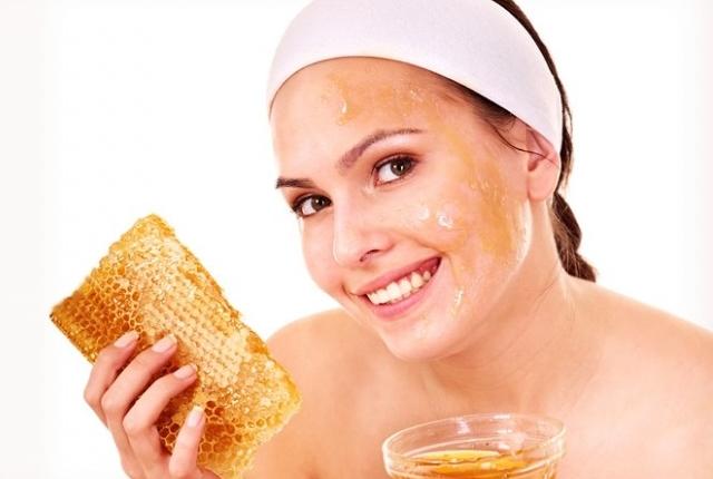 Use A Plain Honey Mask