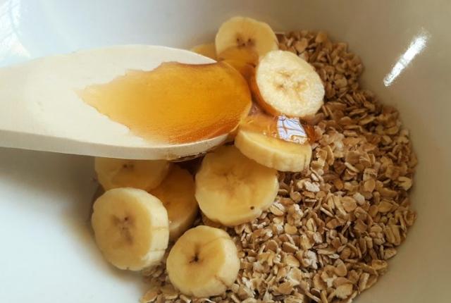 Banana, Honey And Oatmeal Mask