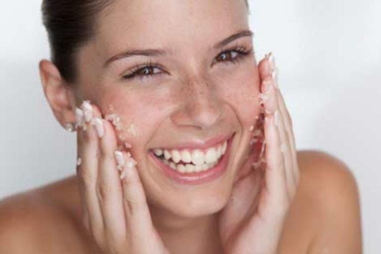 8 DIY Homemade Rice Body Scrubs For A Fabulous Skin