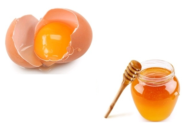 Egg yolk and honey Mask