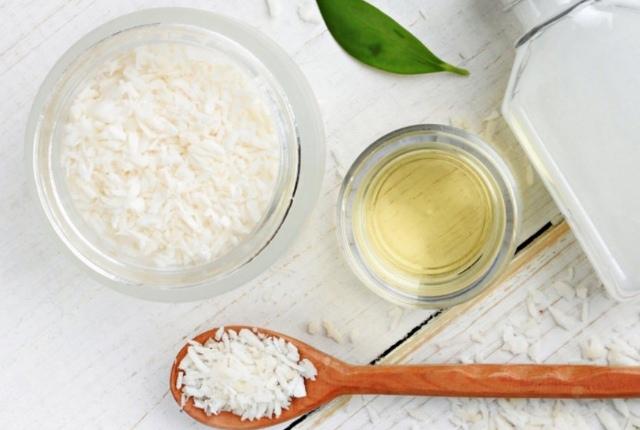 Rice Powder And Castor Oil Scrub