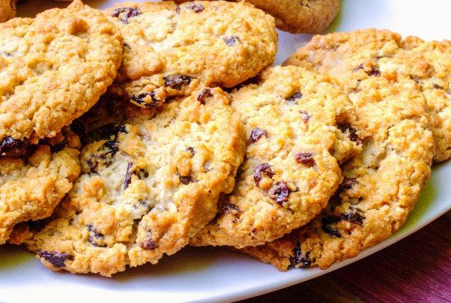 Oatmeal Raisin Spice Cookies