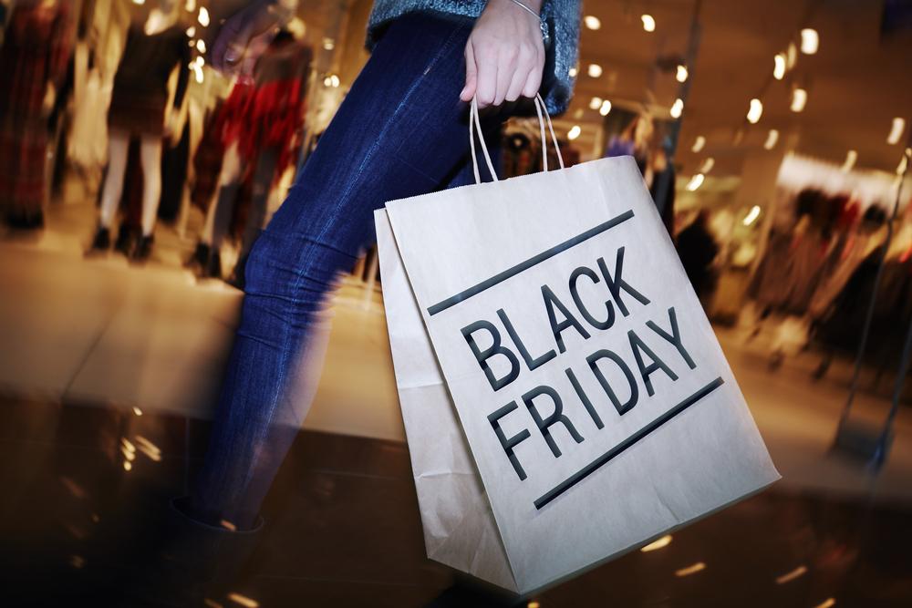 Black-Friday shopper