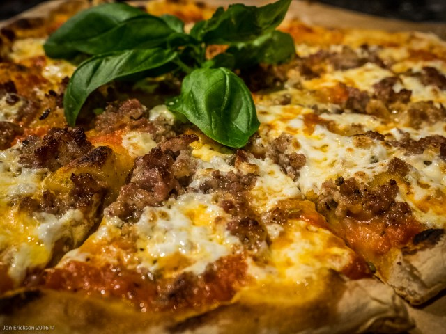 Napoli Style Pizza with Vodka Sauce and Sausage