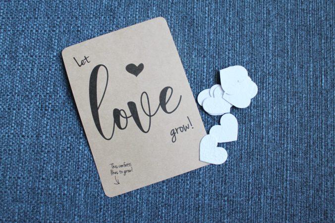 Gelukkige verjaardag boven de wolken: Let love grow!
