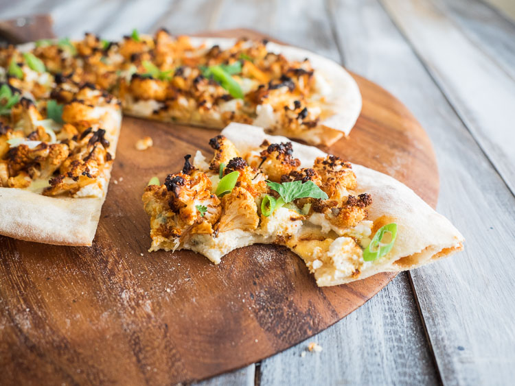 Buffalo Cauliflower Pizza | A spicy buffalo cauliflower pizza with gorgonzola cheese. Perfect for dinner or serving at your next party. | seasonedvegetable.com