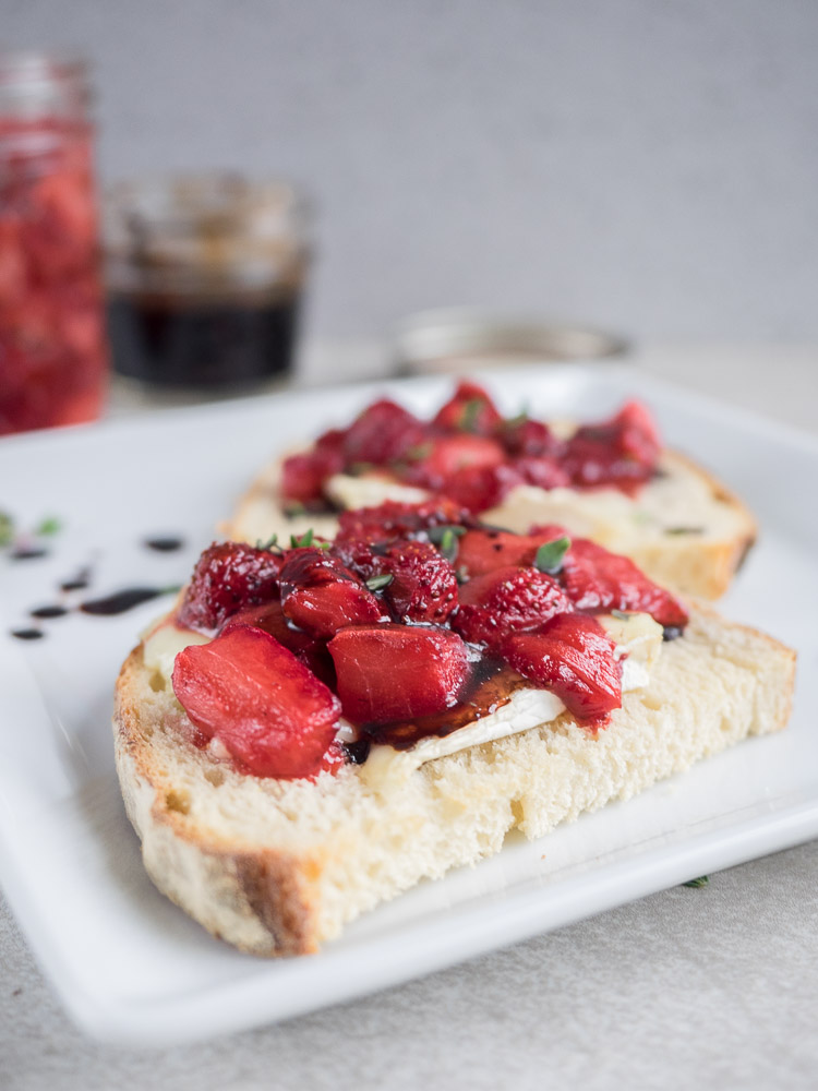 Strawberry Tartine | This camembert and roasted strawberry tartine is a sweet and savory sandwich with melty cheese and fresh fruit. Finished with thyme and balsamic reduction. | SeasonedVegetable.com
