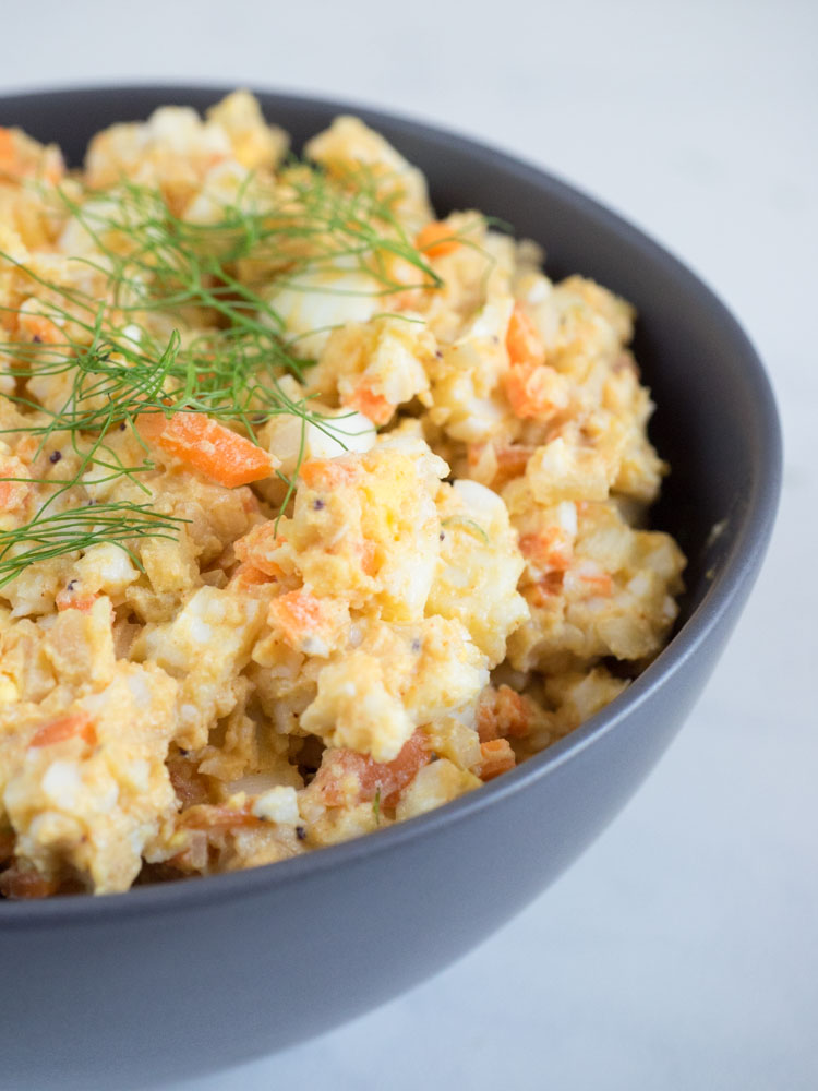 Egg Salad with Roasted Fennel || An easy, fast, no mayo egg salad recipe with roasted fennel and carrots to get a few extra vegetables in this classic picnic dish. | SeasonedVegetable.com