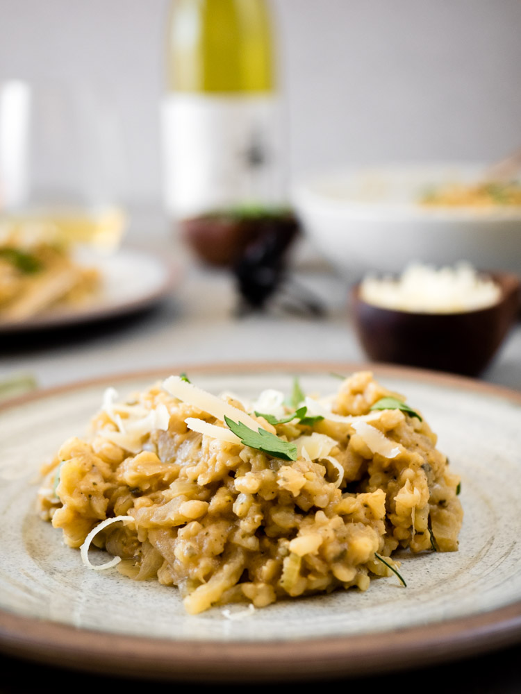 Brown Rice Risotto with Apple and Sage | An easy, no-stir brown rice risotto with fennel, apple and pureed cannellini beans is perfect for a hearty, stick to your ribs, fall dinner. | SeasonedVegetable.com #vegetarian #risotto #healthyrecipe #vegan