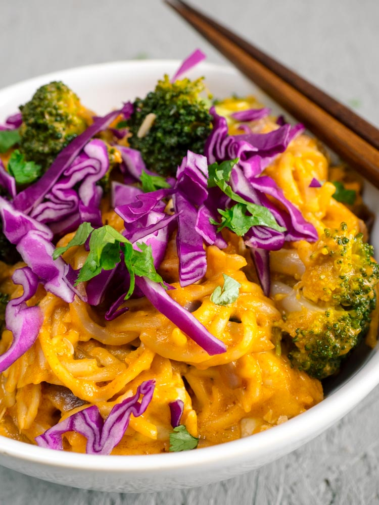 Saucy Panang Curry Noodle Bowl | Creamy, nutty, saucy panang curry noodles are served with broccoli, cabbage, carrots and tofu for a quick and easy vegetarian lunch or dinner. A delicious way to eat more vegetables. | SeasonedVegetable.com #noodle #curry #recipe #vegetarian #vegan