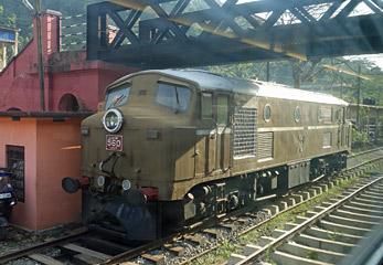 1953 M1 locomotive at Kadugannawa