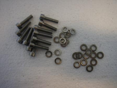 Scew-Kit F/ Radome SAILOR 60 & 60 World