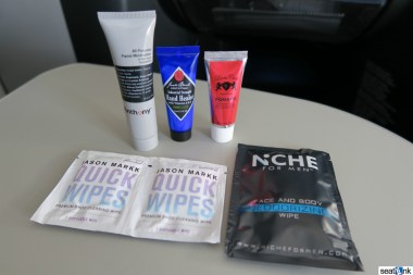 The Birchbox goodies from the Mint amenity kit