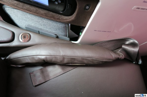 The airbag seatblet