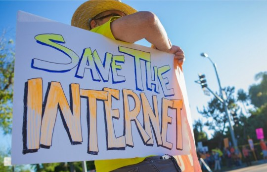 Save-the-Internet-sign