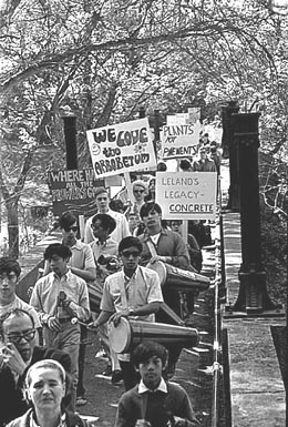 Marchers in the Arboretum, May 4, 1969 Museum of History & Industry