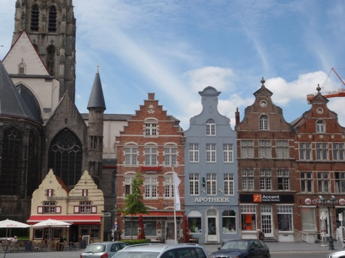 https://i2.wp.com/www.seayara.nl/wp-content/uploads/2012/06/Gevels-Markt-Oudenaarde.jpg