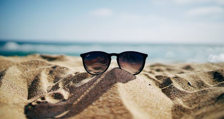 20 gruende warum du den winter in der sonne verbringen solltest-sonnenbrille