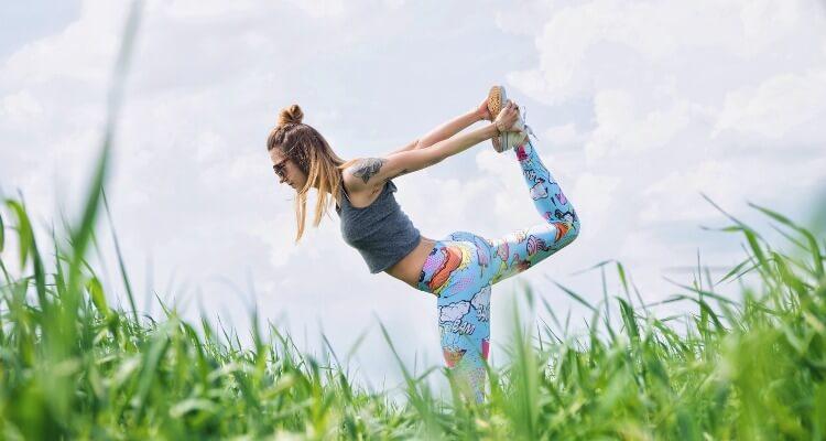 20 gruende warum du den winter in der sonne verbringen solltest-yoga
