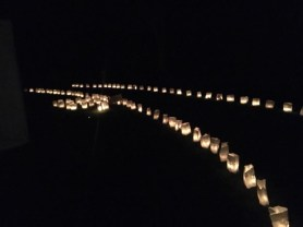 Kaarsenzakken in de nacht...