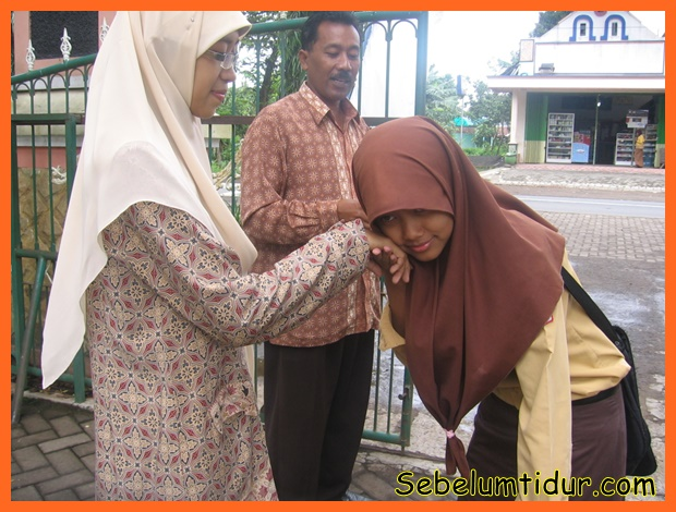 cara membahagiakan kedua orang tua