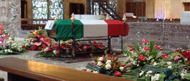 L'ultimo saluto a Donato Lamorte: stracolma la Basilica di San Giovanni Bosco, tanta commozione