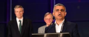 Battibecco Trump-Khan: il sindaco non ha tempo per il presidente Usa…