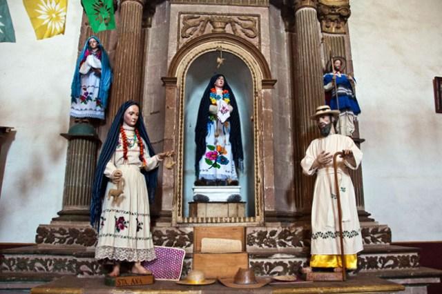 Templo de La Compañía de Jesús, Pátzcuaro. In indigenous communities in Mexico, the saints are dressed in traditional indigenous costume.