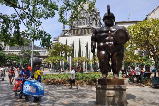 Roman soldier by Botero, Medellín centro. Notice how shiny his private parts are from being rubbed. Supposedly touching his penis will bring you a relationship with a man. The longer you hold it, the longer the relationship. Disclaimer: I did not test this out.