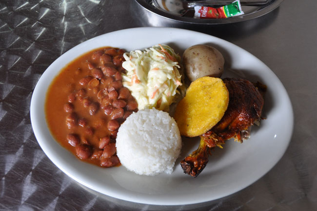 Bandeja paisa, typical dish of the Medellín area. Note that this is the half portion.